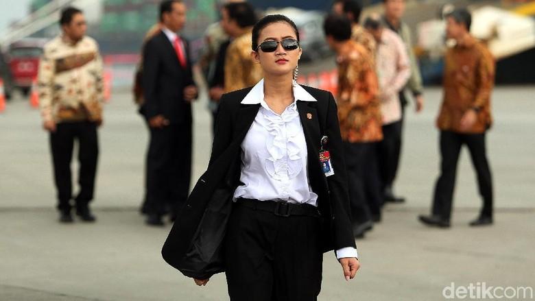 Foto: Ini Jokowis Angels, Paspampres Perempuan yang Kawal Presiden