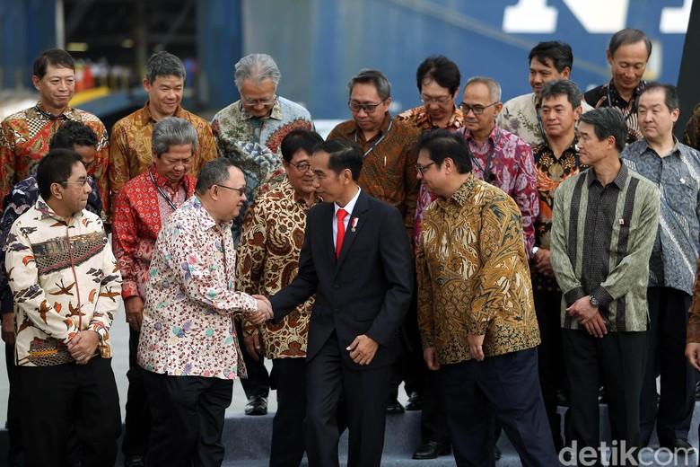 Jokowi Resmikan Ekspor Pertama Mitsubishi Xpander. Foto: Rengga Sancaya