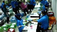 Proses kebiri itu dilakukan di kantor Dinas Ketahanan Pangan, Kelautan, dan Pertanian (KPKP) Kota Jakarta Pusat, Rabu (25/4/2018).