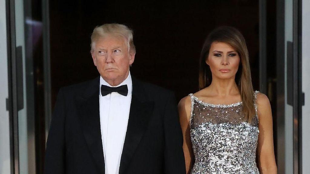 Pesona Melania Trump Sambut Presiden Prancis, Pakai Gaun Fresh dari Runway