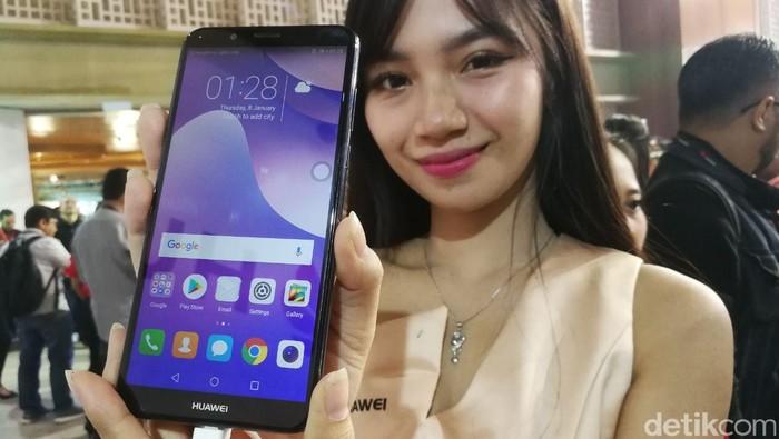 Huawei Nova 2 Lite. Foto: Muhammad Alif Goenawan/detikinet