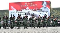 10.000 Wanita TNI-Polri Apel Bersama di Monas