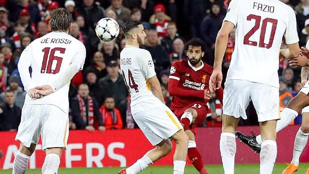 Liverpool menang telak 5-2 atas AS Roma di leg pertama semifinal Liga Champions.
