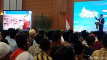 Bicara Foto Hoax Bareng DN Aidit, Jokowi: Memang Nggak Mirip!