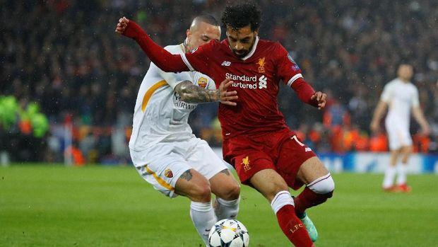 Selain mencetak dua gol ke gawang Roma, Salah juga memberikan dua assist dalam laga tersebut.