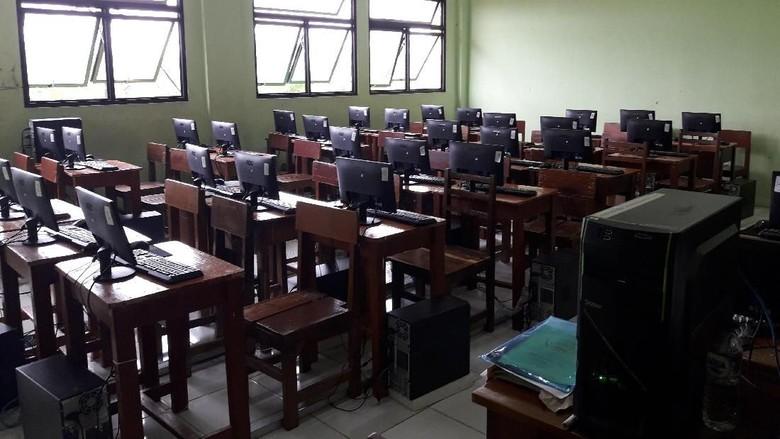 5 SMP di Bekasi Numpang UNBK di SMK Binakarya Mandiri