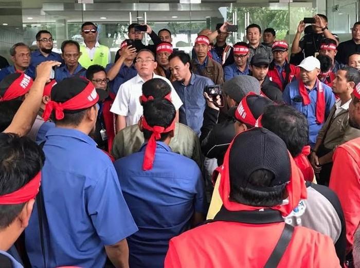 Aksi pegawai di kantor JICT pada Kamis (26/4) (Foto: dok. JICT)
