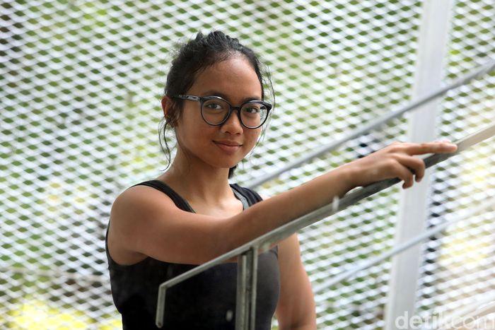 Naima sedang berlatih di Stadion Aquatic, kompleks Gelora Bung Karno (GBK), Senayan, Jakarta.