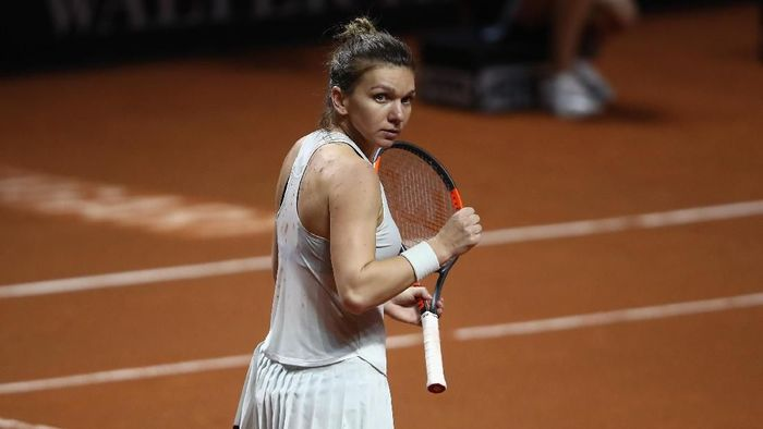Simona Halep lolos ke perempatfinal Porsche Tennis Grand Prix usai bertarung tiga set (Foto: Alex Grimm/Getty Images)