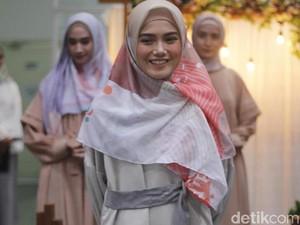Istri Ricky Harun Rilis Hijab Terinspirasi dari Malin Kundang