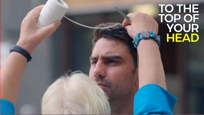 Cuma butuh seutas benang untuk tahu bahaya tingkat kegemukan seseorang (Screenshot: bbc)