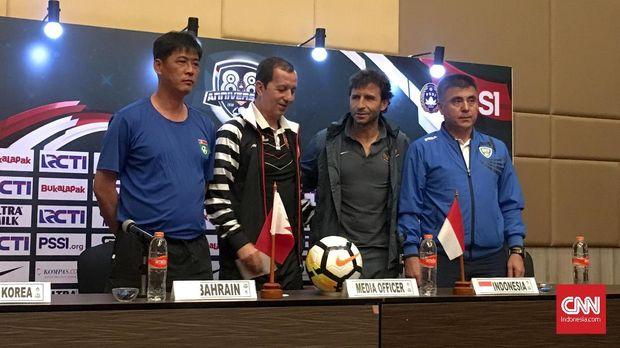 Empat pelatih timnas di PSSI Anniversary Cup 2018.