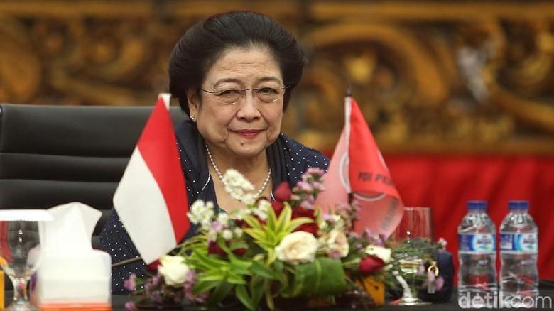 Megawati Tertawa Dengar Usul Debat Capres Pakai Bahasa Inggris