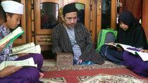 Kisah Mamat,  Guru Ngaji Tanpa Kaki di Ciamis