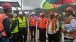 Di Tengah Gerimis, Menteri PUPR Cek Terowongan Tol Cisumdawu