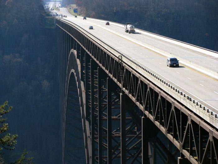 Jembatan New River Gorge di Amerika Serikat. Tingginya nggak main-main (Dok. © Ryan Stanton)
