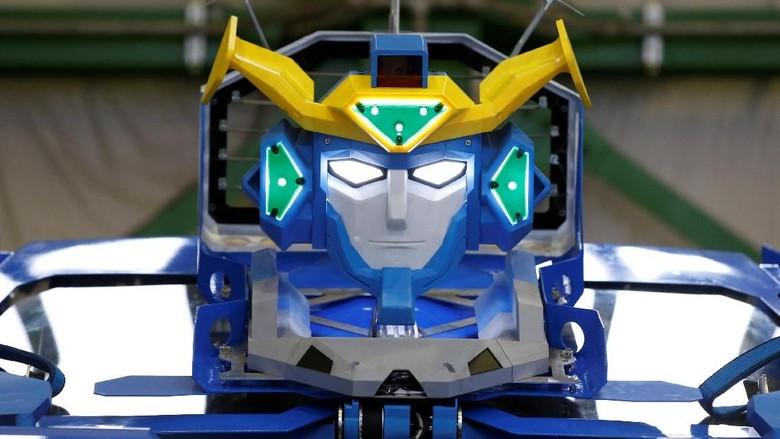Keren, Mobil Robot seperti Transformers Ini Disapa J-deite Ride Foto: Pool (Reuters)