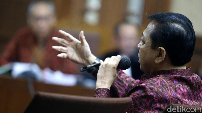 Novanto Sebut Perawat yang Lihat Dirinya Kencing Berdiri Ngarang