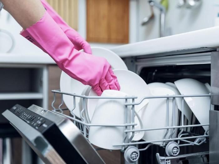 Ilustrasi sarung tangan cuci piring. Foto: Thinkstock