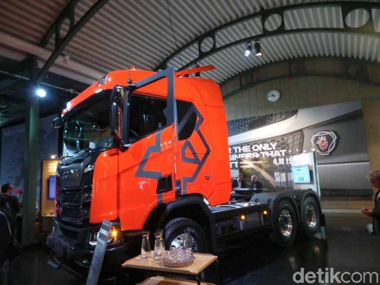 Truk baru dari Scania. Foto: Idham Kholid