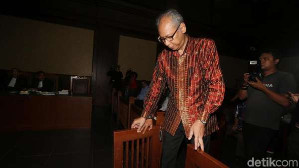Bimanesh Debat Fredrich: Anda yang Halangi KPK Bawa Novanto