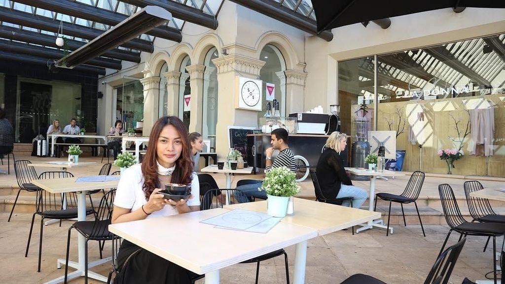 Ini 10 Bukti Masayu Anastasia Doyan Plesiran Sambil Makan Enak