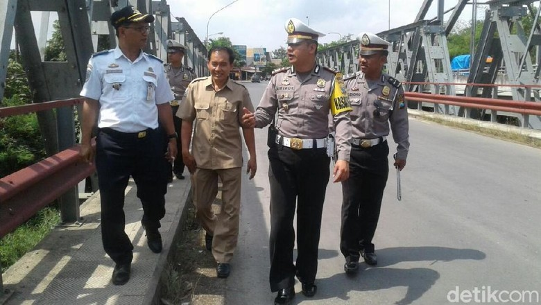 Persiapan Arus Mudik, Tim Gabungan Periksa 16 Jembatan di Blitar