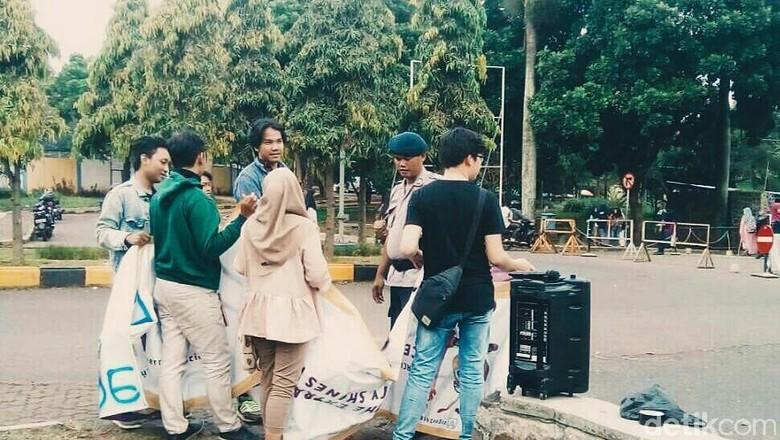 Mahasiswa Keluhkan Keberadaan Brimob Jadi Satpam Kampus Unpad