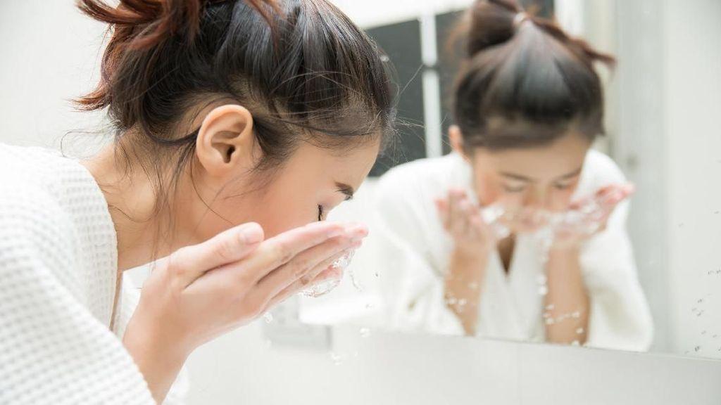 Tips Sehat Mencuci Wajah Agar Bebas dari Jerawat