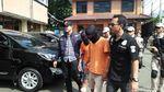 Mobil Perampok Penumpang Grab yang Penuh Lubang Diberondong Polisi