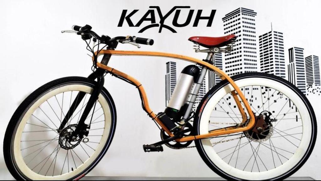 Bikin Sepeda Kayu, Dua Pemuda Ini Raup Omzet Rp 200 Juta/Bulan