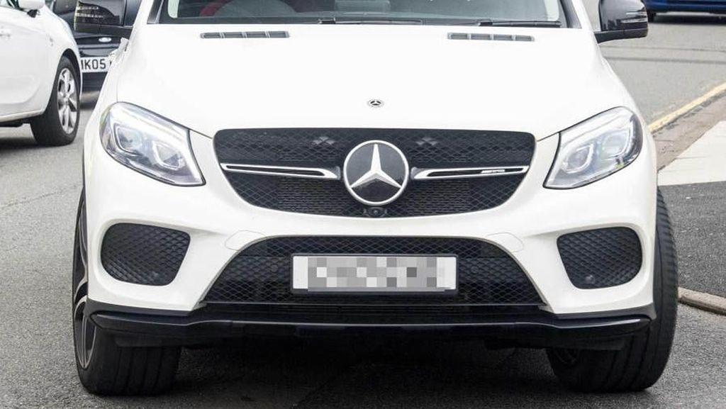Mengintip Mobil Mewah Tunggangan Bintang Liverpool Mohamed Salah