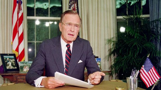 George HW Bush, Jawara Perang Teluk Berpulang (EMB)