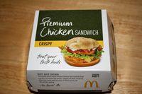 Hii.. Anak Ini Temukan Belalang Besar Dalam Sandwich Ayam McDonald's