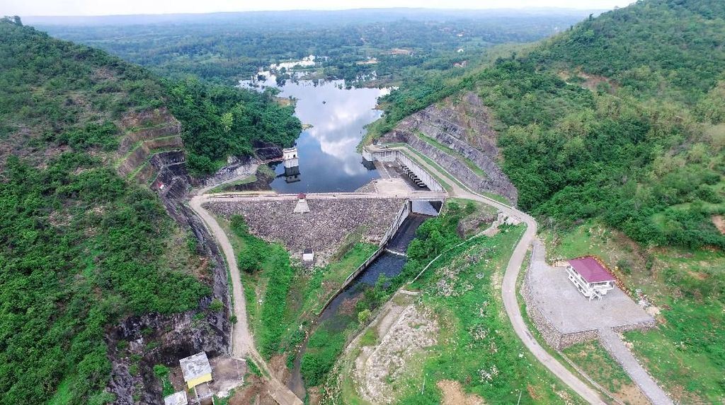 Jokowi Mau Tunda Proyek Infrastruktur, Proyek Strategis Jalan Terus