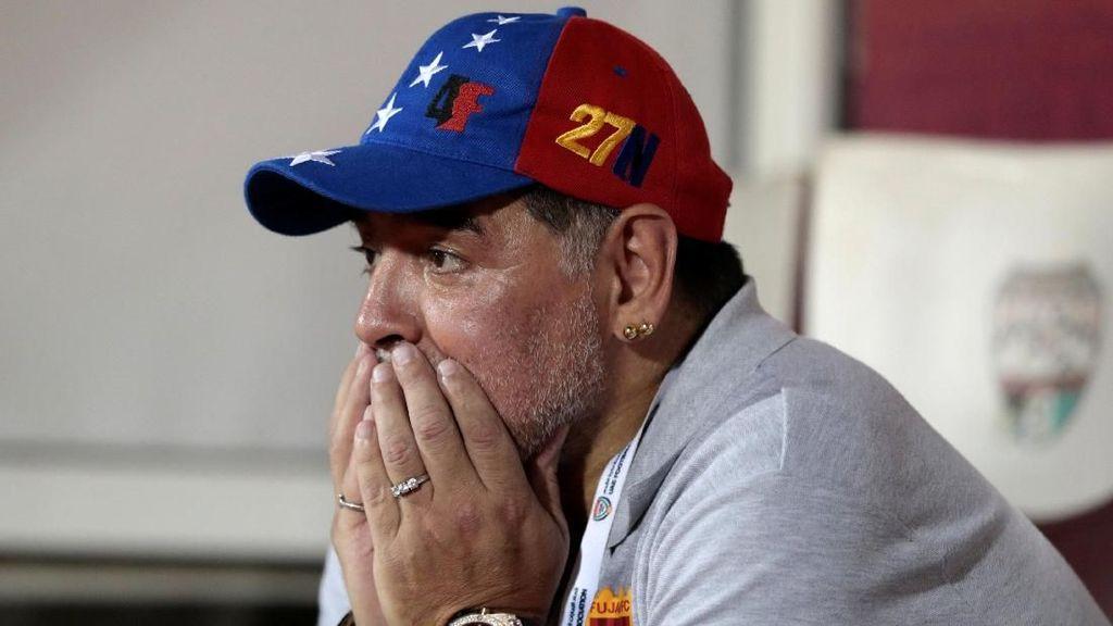 Sambil Menangis, Maradona Dukung Upaya Pengentasan Kelaparan