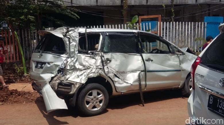 kecelakaan mobil Foto: Dwi Andayani/detikcom