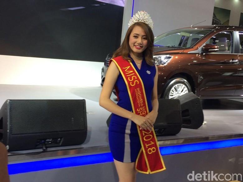 Novita yang jadi Miss Motor Show 2018. Foto: Khairul Imam Ghozali