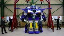 Penampakan Robot Transformers Bikinan Warga Jepang