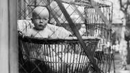 Sangkar Bayi di Luar Rumah Dulu Jadi Andalan Kesehatan si Kecil