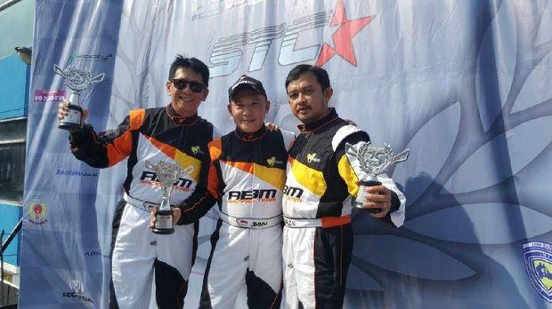 Pebalap Muda ABM Borong Tiga Trofi Juara di ISSOM Seri Kedua