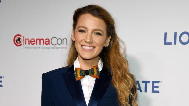 Blake Lively Anggap Kehidupan Ibu Blogger Hanya Tipuan