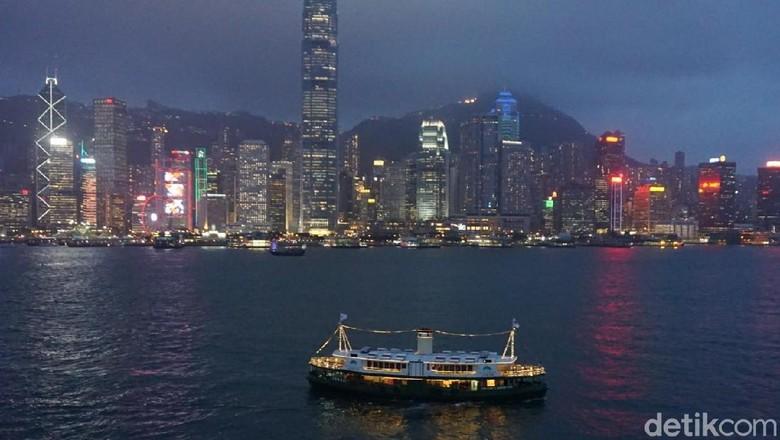 Panorama Hong Kong saat malam (Kanavino Ahmad Rizqo /detikTravel)