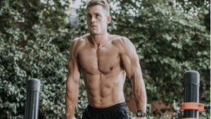 Ryan Eyser, Mister England 2017 yang Hobi Olahraga Meski Cacat di Kaki