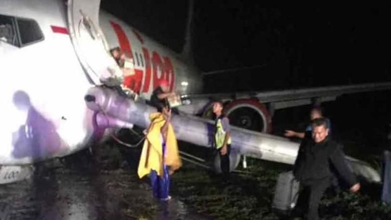 Lion Air Tergelincir, Bandara Gorontalo Ditutup Sampai 08.40 Wita