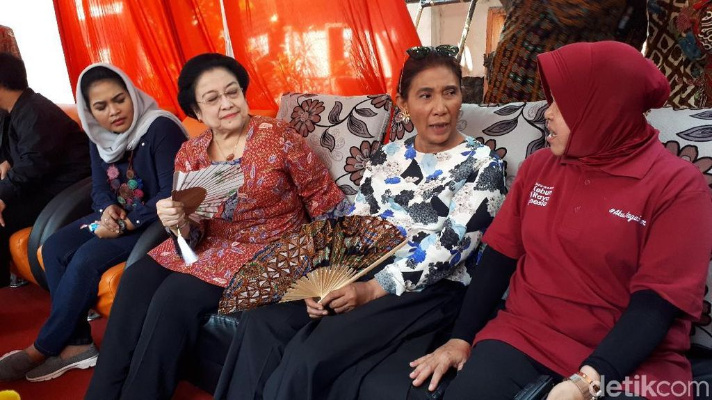 Risma dapat Pujian dari Megawati karena Cerewet