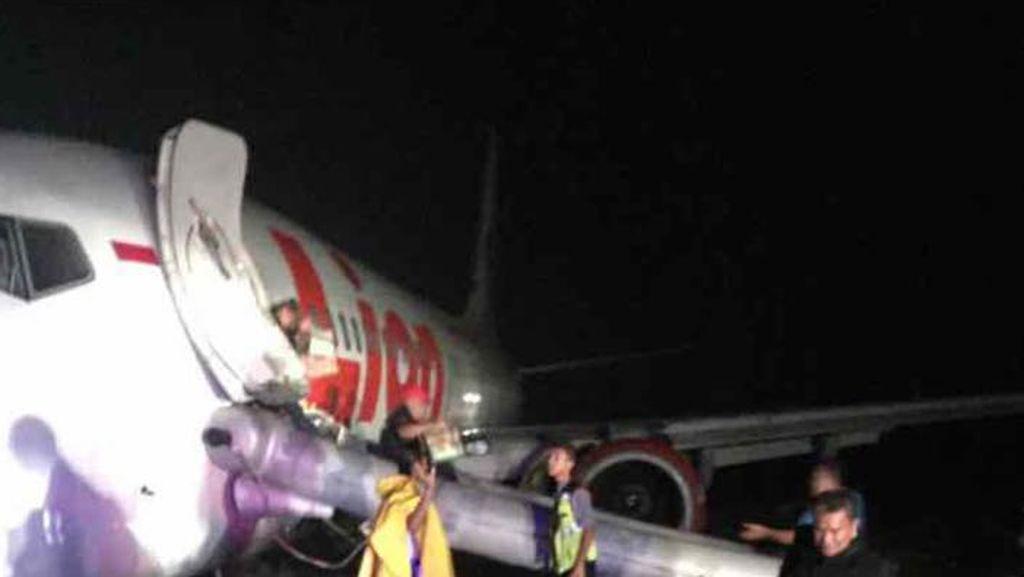 Roda Depan Lion Air Patah Saat Tergelincir di Gorontalo