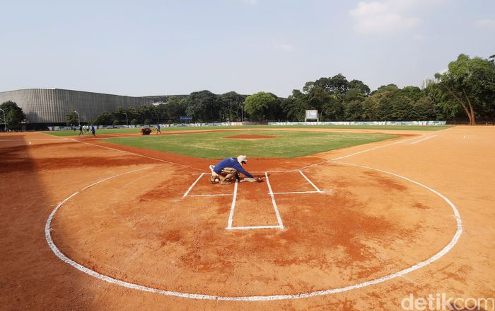 Venue baseball dibangun di kawasan Stadion Utama Gelora Bung Karno, Senayan, Jakarta.