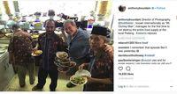Datang ke Jakarta, Anthony Bourdain Mampir ke Rumah Makan Padang Surya