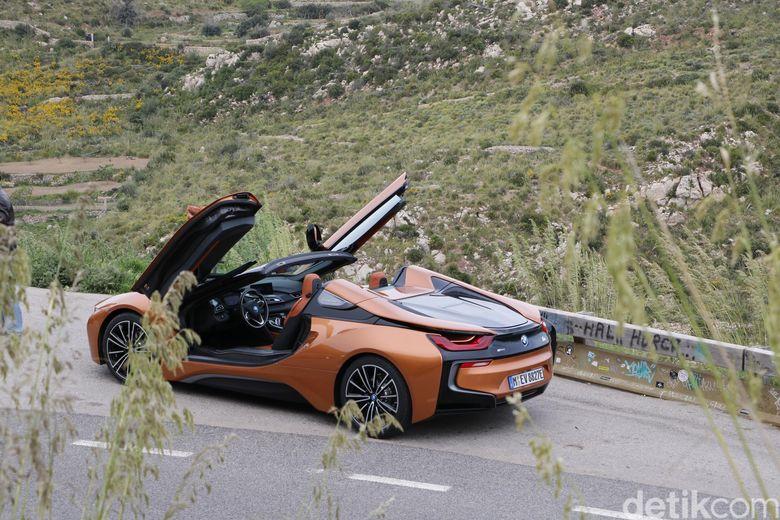 Harga I8 Roadster Kemahalan Ini Jawaban Bmw